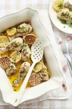 Garlic CHICKEN DRUMSTICKS with lemon and parsley