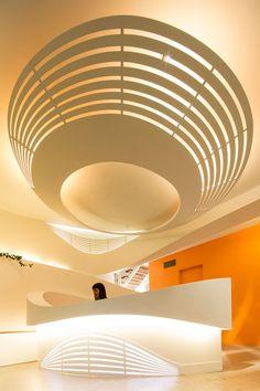 Este espacio diseñado por Enter Architecture se encuentra sobre una superficie de 150 m2 que se especializa en el tratamiento de niños autistas. Tres...