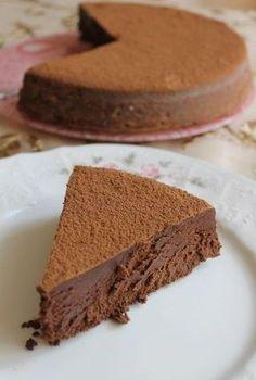 Очень шоколадно, очень нежно, просто тает! Печь надо однозначно, чтобы хоть раз почувствовать вкус этого лакомства. Вам потребуется: ● сливочное масло — 225 г ● шоколад 55−70% какао — 460 г
