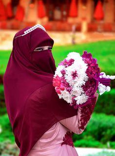 Hajib Fashion, Muslim Fashion, Muslim Wedding Dresses, Muslim Brides, Arab Girls Hijab, Muslim Girls, Hijabi Girl, Girl Hijab, Muslimah Wedding