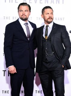 Leonardo DiCaprio & Tom Hardy Premiere 'The Revenant': Photo Leonardo DiCaprio and Tom Hardy buddy up for the premiere of their new film The Revenant held at the TCL Chinese Theatre on Wednesday night (December in Hollywood. The Revenant Leonardo Dicaprio, Leonardo Dicaprio Tom Hardy, Tom Hardy Wedding, Tom Hardy Photos, Well Dressed Men, Good Looking Men, Gorgeous Men, Movie Stars, Sexy Men