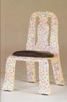 Queen Anne chair by Robert Venturi, 1984