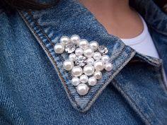 27 New Ideas Diy Clothes Remake Style Denim And Lace, Jean Diy, Denim And Diamonds, Diy Kleidung, Denim Crafts, Denim Ideas, Embellished Jeans, Old Jeans, Fabric Manipulation