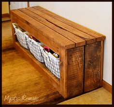 Wood Pallet Projects Pallet Wood Storage Bench More - Various creative and easy to make DIY Pallet Projects that will inspire you to make something unique and interesting for your home.