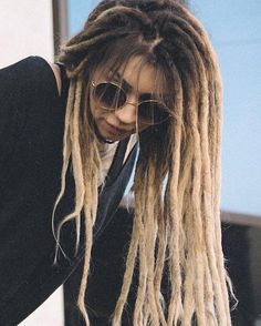 awesome 25 Thrilling Ideas On Blonde Faux Locs – Luxurious World of Dreads Blonde Dreadlocks, Dreads Girl, White Girl Dreads, Dreadlock Hairstyles, Messy Hairstyles, Rasta Girl, Short Hair Dont Care, Beautiful Dreadlocks, Dreads Styles