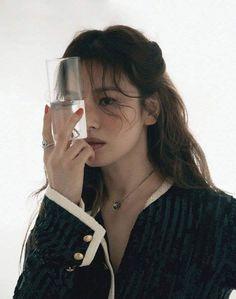 Song Hye Kyo, Song Joong Ki, Lorraine, High Fashion Looks, Flawless Face, Old Actress, Radiant Skin, Korean Actresses