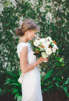 Photo (Southern Charm) wedding engagement hairstyles 2019 - wedding and engagement 2019 Southern Charm Wedding, Southern Bride, Southern Weddings, Magnolia Bouquet, Magnolia Wedding, Magnolia Leaves, Magnolia Green, Floral Wedding, Wedding Bouquets