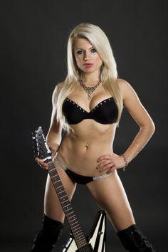Lariyah Daniel : Hessler Band Vocalist