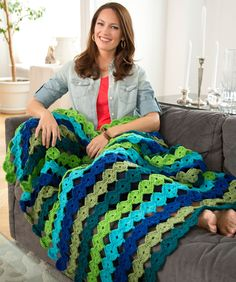 Yo-Yo Throw Free Crochet Pattern from Red Heart Yarns