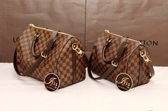 Louis Vuiitton Handbags - LV Speedy 30