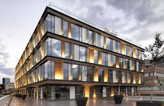 MuuM Architects-designed office building is a quiet oasis in the heart of bustling Istanbul