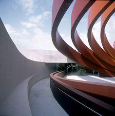 Design Museum Holon by Ron Arad. Holon, Israel. TENDENCIAS. Septiembre 2010