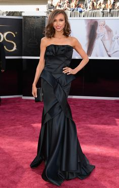 #oscarfashion 2013 TV personality Giuliana Rancic attends the Oscars at Hollywood & Highland Center on February 24, 2013 in Hollywood, California.