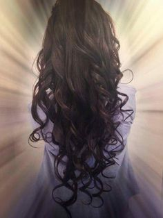 Her Fabulous Curls - Hairstyles and Beauty Tips