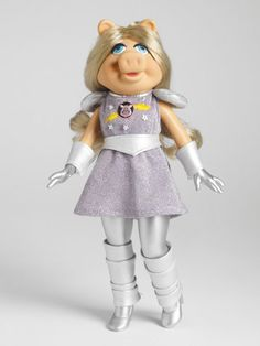 Miss Piggy™ | Tonner Doll Company #MissPiggy #Muppets #PopCulture #TonnerDolls