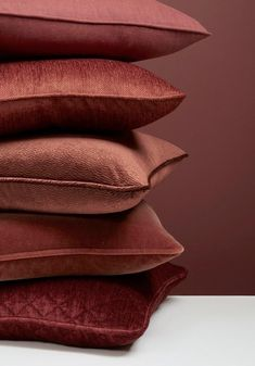 Marsala pillows in Pantone approved fabrics by Kravet available DesignNashville. custom bedding and drapery too! Pantone Colors 2015, Pantone 2015, Colour Board, Grafik Design, Color Of The Year, Color Trends, Colorful Interiors, Color Inspiration, Color Schemes