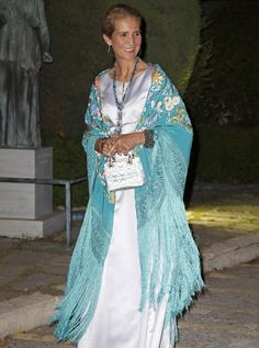 REAL- MY ROYALS ! - Infanta Elena of Spain celebrates King Constantine and Queen Anne-Marie of Greece's Golden wedding anniversary in Piraeus, Greece. Wedding Anniversary Celebration, Golden Wedding Anniversary, Hollywood Fashion, Royal Fashion, Constantino, Spanish Royal Family, Crown Princess Victoria, Marie, Evening Dresses