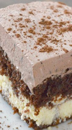 The most amazing Chocolate Italian cake recipe with a chocolatey whipped frosting and cream cheese layer! This recipe is sure to be a family favorite! 13 Desserts, Chocolate Desserts, Chocolate Cake, Chocolate Chips, Easy Italian Desserts, Italian Foods, Mint Chocolate, Plated Desserts, Baking Recipes
