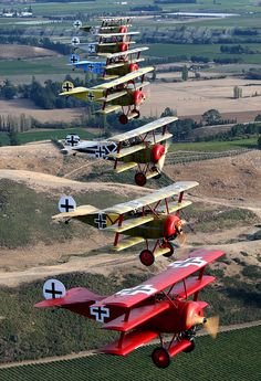 Baron von Richthofen, Fokker Dr.1, Le Rhone 110 hp Rotary. Big Scale Models. Historical information and modeling tips.