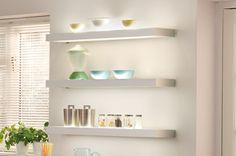 Illuminated Shelf Light Old Kitchen, Kitchen Dining, Kitchen Ideas, Residential Lighting, Kitchen Shelves, Beautiful Space, Kitchen Accessories, High Gloss, Floating Shelves