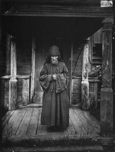 Orthodox monk from Holy Russia Cthulhu, Aliens, Images Of Faith, Life In Russia, Religion, Rasputin, Russian Orthodox, Imperial Russia, Drawing Practice