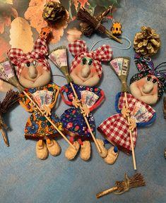 Ягуся от злых людей – купить в интернет-магазине на Ярмарке Мастеров с доставкой - I9RHBRU   Москва Halloween Home Decor, Halloween House, Halloween Gifts, Halloween Decorations, Cute Crafts, Diy And Crafts, Troll, Sock Dolls, Witch Decor