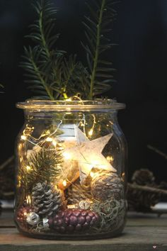 Magical Christmas mood on the balcony with fairy lights - table cover yourself , Advertisement // With battery-operated fairy lights, mason jars can be quickly transformed into great Christmas decorations. I& show you how it .