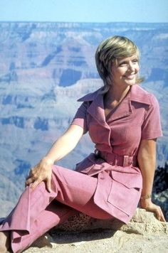 The Brady Bunch - Carol at the Grand Canyon from Season 3