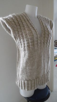 Pull tunique sans manche en alpaga et laine beige clair : Pulls, gilets par annbcreation