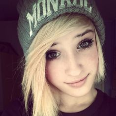 Love her hair and beanie, whoever she may be :3