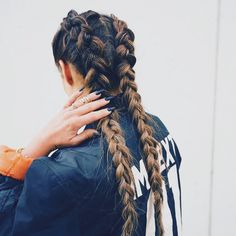 When last night's hair makes for the perfect Saturday braid  #weekendvibes #naturallyelevated