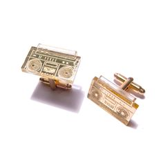 Boom Box Cufflinks Gold Mirror / plastique* so cool. i wish they had them in earing form! Boombox, How To Get Money, Tech Accessories, Gifts For Him, Cufflinks, Fancy, Mens Fashion, My Style, Stuff To Buy