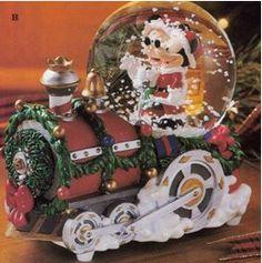 Disney Mickey & Minnie Holiday Train Snowglobe