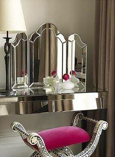 Très bel intérieur Art Déco avec des miroirs