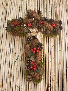 Vzpomínáme... Délka ramena 24 cm,šířka horního ramene 28 cm,výška kříže 8cm.