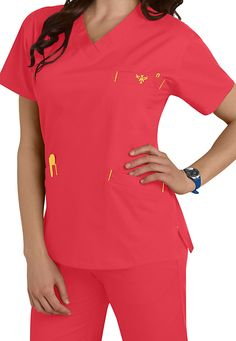 Med Couture Signature Classic V-neck Scrub Tops Main Image Scrubs Outfit, Scrubs Uniform, Med Couture Scrubs, Cute Scrubs, Medical Scrubs, Nursing Scrubs, Couture Tops, Scrub Tops, Work Wardrobe