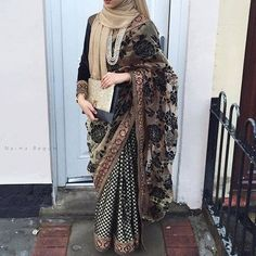 25 Latest Wedding Saree Designs & Ideas for Muslim Brides - 18 25 Latest Wedding Saree Designs & Ideas for Muslim Brides - Islamic Fashion, Muslim Fashion, Modest Fashion, Hijab Fashion, Modest Dresses, Modest Outfits, Eid Outfits, Modest Wear, Modest Clothing