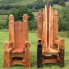 2 fine Kopis of Viking-style stools (or Thrones).... MR