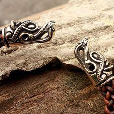 Têtes de loup de bronze Viking à la main tressé en par MAGICrebEL