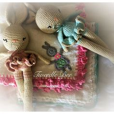Tweedle Bee | South Africa | Hand Made Crochet Products and Art Mural Painting, Custom Paint, Burlap Wreath, Crochet Baby, Teddy Bear, Handmade Gifts, Toys, Products
