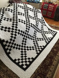 Quilt Ready to Ship This Black and White Irish Chain Queen size quilt is ready to ship. It is made from 100% cotton and measures 90x90 It