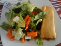 Salad and chicken tamales