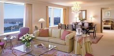 Sydney Harbour Accommodation | Rooms and Suites | Shangri-La Hotel, Sydney
