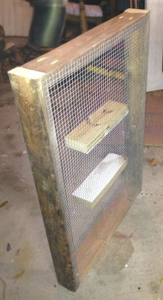 DIY building chicken grazing boxes that keep greens available to cooped chickens Chicken Coop Kit, Cheap Chicken Coops, Portable Chicken Coop, Best Chicken Coop, Chicken Coop Designs, Backyard Chicken Coops, Building A Chicken Coop, Chicken Runs, Chickens Backyard