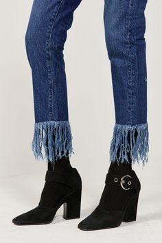 Celine curved heel