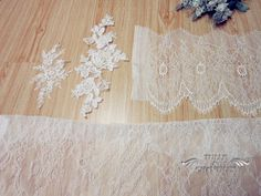 {Design Your Wedding Dress} Custom-Made Vintage Sweetheart Lace Wedding Dress with Cap Sleeves