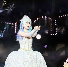 白い女王さま  #ピューロアンバサダー  #闇の女王 #ノッテ  #miraclegiftparade #ミラクルギフトパレード #puroland #ピューロランド #ピューロランドダンサー  #ピューロダンサー   #kawaii #冬ピューロ  #廣瀬愛 さん  撮影:2017.01.01 Elsa, Cinderella, Disney Characters, Fictional Characters, Disney Princess, Instagram Posts, Fantasy Characters, Disney Princesses, Disney Princes