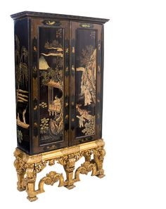 Coromandel Lacquer Gilt-wood Cabinet - Europe 1920 via icon-baby.blogspot.com