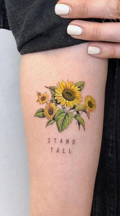 awesome sunflower tattoo ideas © tattoo artist 💕🌻💕🌻… tolle Sonnenblumen-Tattoo-Ideen © Tattoo-Künstler 💕🌻💕🌻💕🌻💕🌻💕🌻💕 This image has get Sunflower Tattoo Small, Sunflower Tattoos, Sunflower Tattoo Design, Sunflower Tattoo Sleeve, Tattoo Model Mann, Tattoo Models, Piercing Tattoo, Forearm Tattoos, Sleeve Tattoos