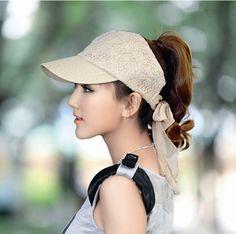 Sun Hats For Women, Hats For Men, Funky Fashion, Fashion Sewing, Crochet Hat With Brim, Crochet Hats, Circle Mehndi Designs, Mermaid Shoes, Fleece Hats